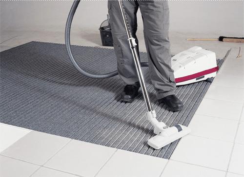 Зачем нужны грязезащитные покрытия?